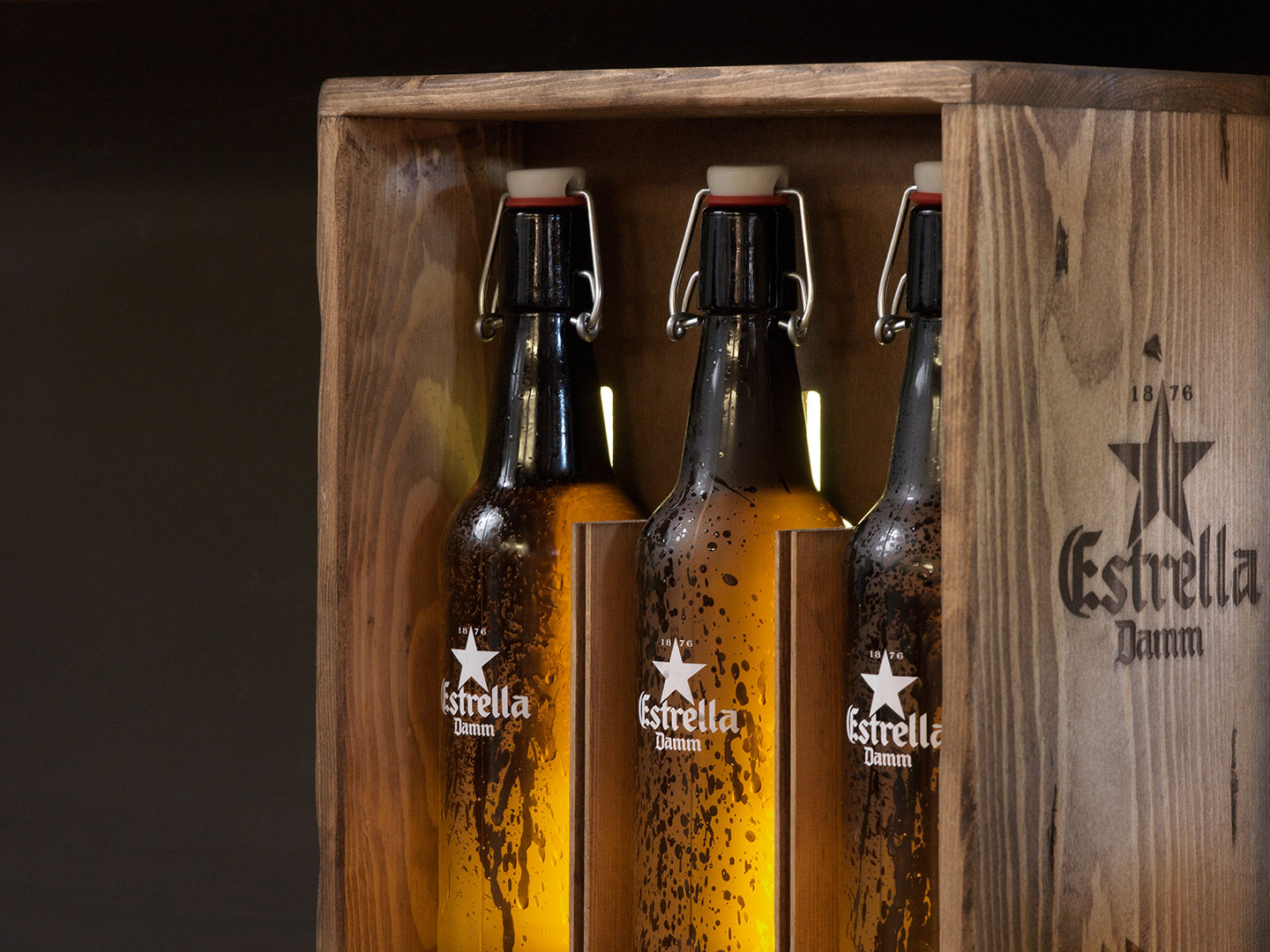 Estrella Damm lighting detail